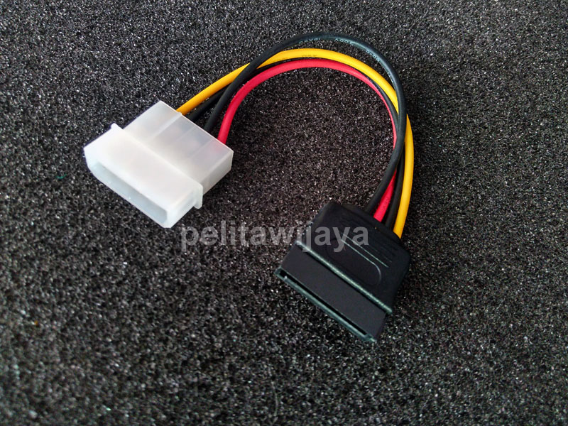 Kabel Power-Sata