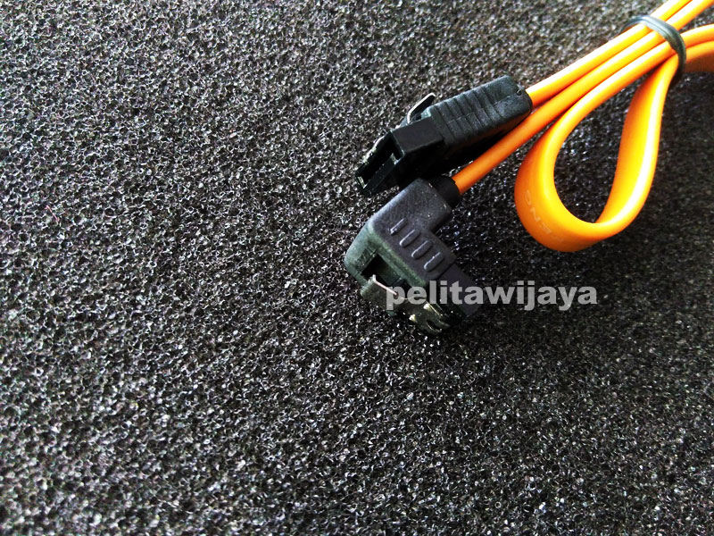 Kabel Sata-2 Plus Kunci
